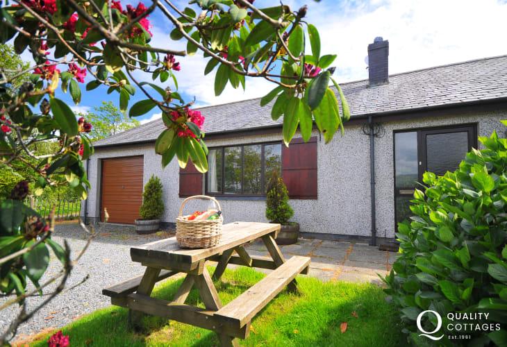 Dolgellau holiday cottage - garden