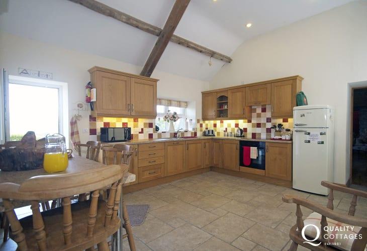Pet friendly holiday cottage Lleyn Peninsula - kitchen