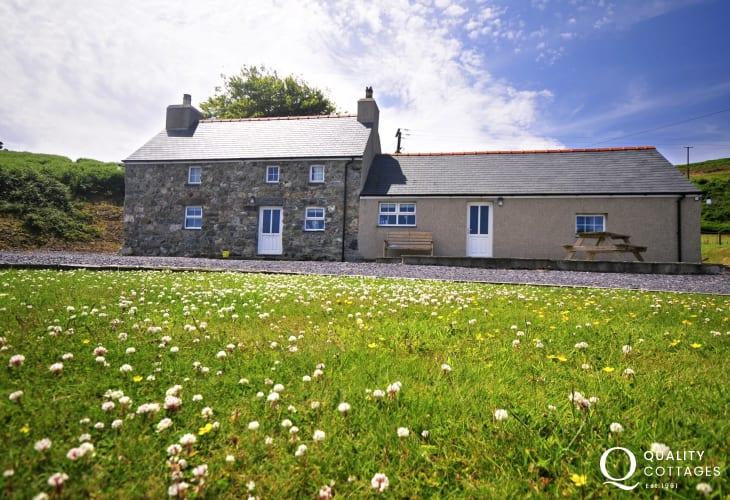 Lleyn Peninsula holiday house - exterior