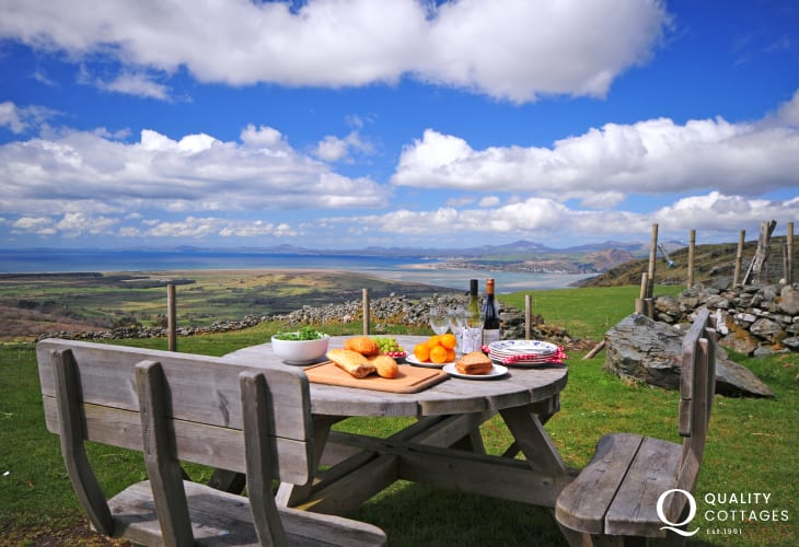 Harlech holiday cottage - view