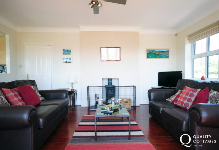 Red Wharf Bay cottage 1st floor lounge with views