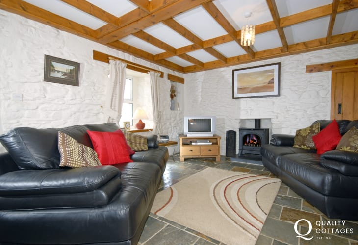North Pembrokeshire holiday cottage - cosy lounge with gas stove