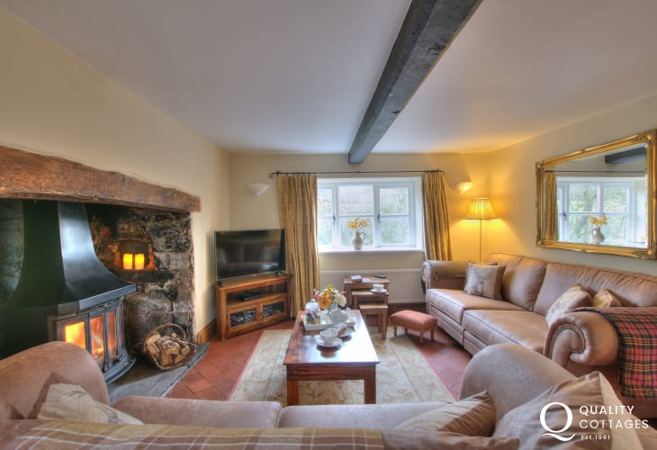 Brecon Beacons holiday cottage-lounge
