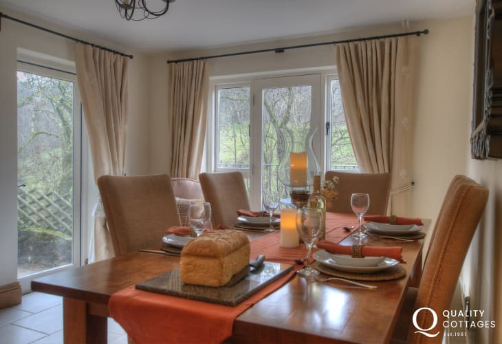 Rural Retreat mid Wales - dining room