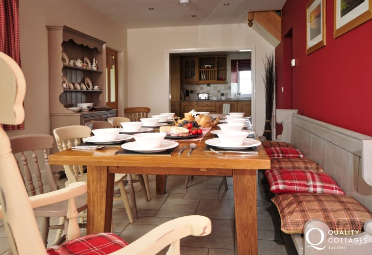 Lleyn Peninsula holiday home near Aberdaron - Dining room