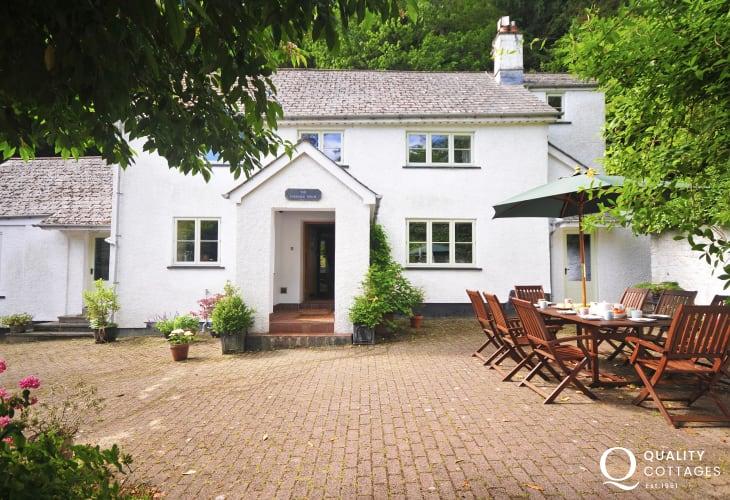 Large Abergavenny holiday cottage - exterior