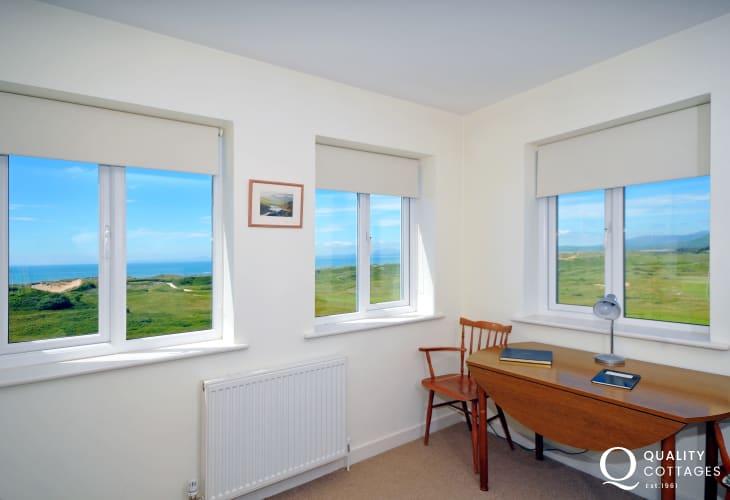 Coastal cottage Wales - lounge