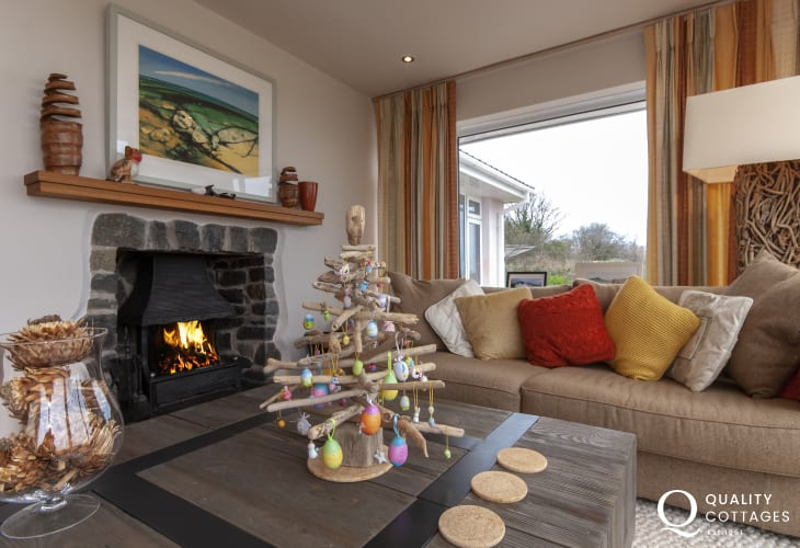 Little Haven holiday home with open fire