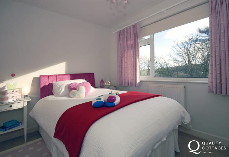 Little Haven holiday cottage - three quarter double bedroom