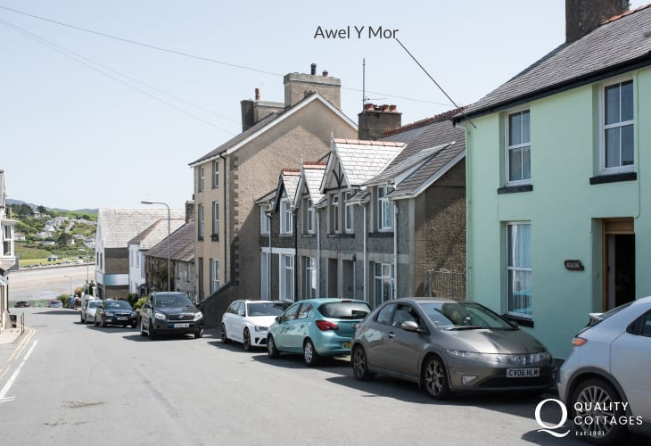 Criccieth 3 bedroomed holiday cottage - exterior