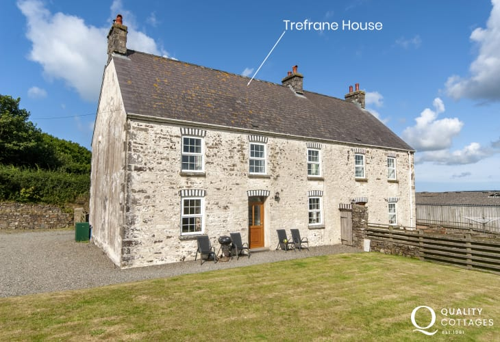 Period holiday farmhouse in a rural setting just a short drive from Newgale Sands