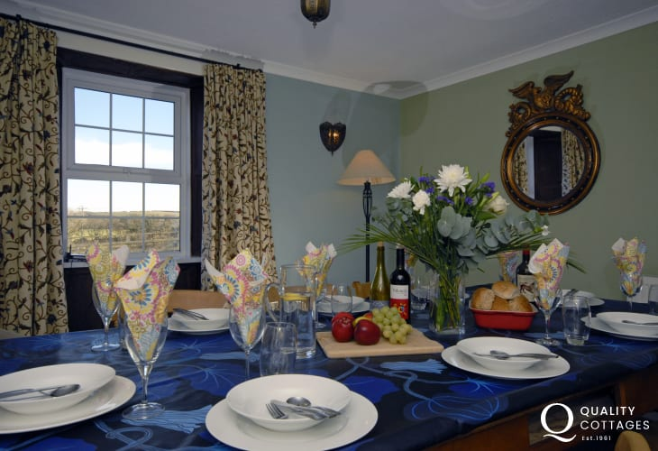 Pembrokeshire Coast family holiday home - relax and enjoy good food and good company