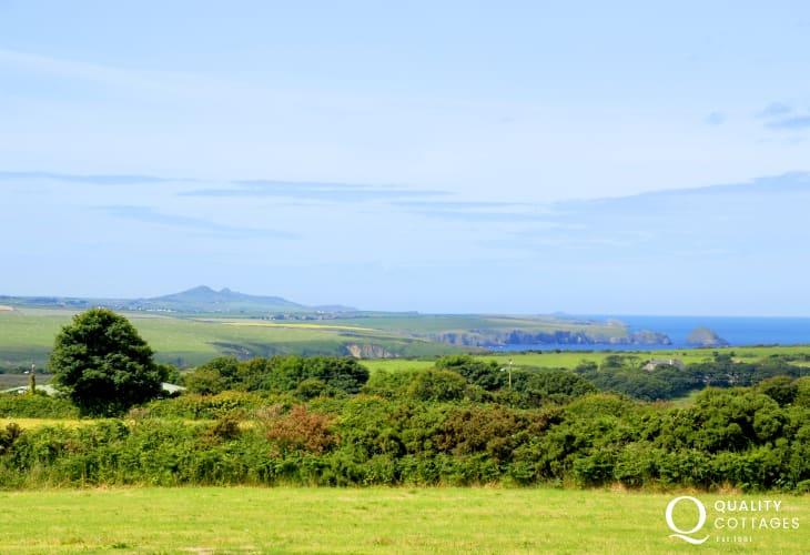 Panoramic views to Aberbach, Abermawr and Mynydd Morfa. (telephoto)
