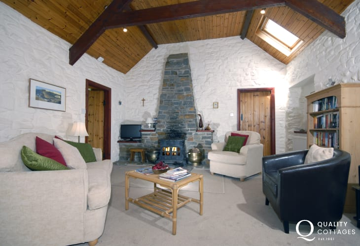 Cottage in Pembrokeshire with log burning stove