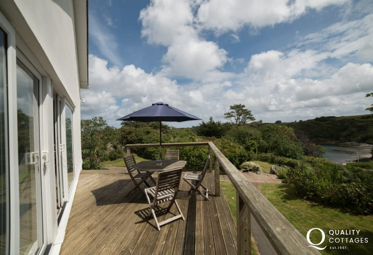 Anglesey holiday cottage 3 bedrooms - decking