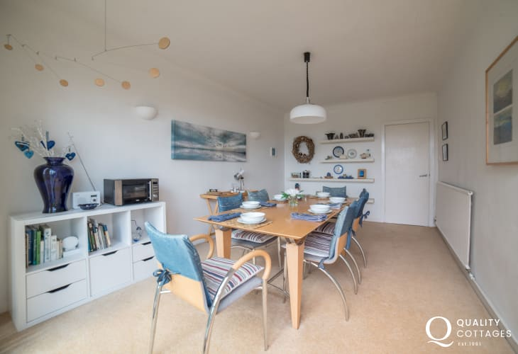 Pet friendly Anglesey holiday cottage 3 bedrooms - dining room