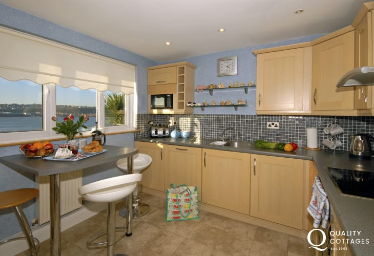 Self catering riverside holiday cottage in Pembrokeshire - kitchen with river views