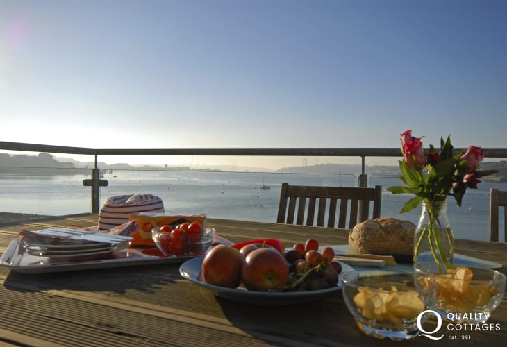 Relax with family and friends at Beach Croft holiday cottage on The Haven Waterway, Pembrokeshire