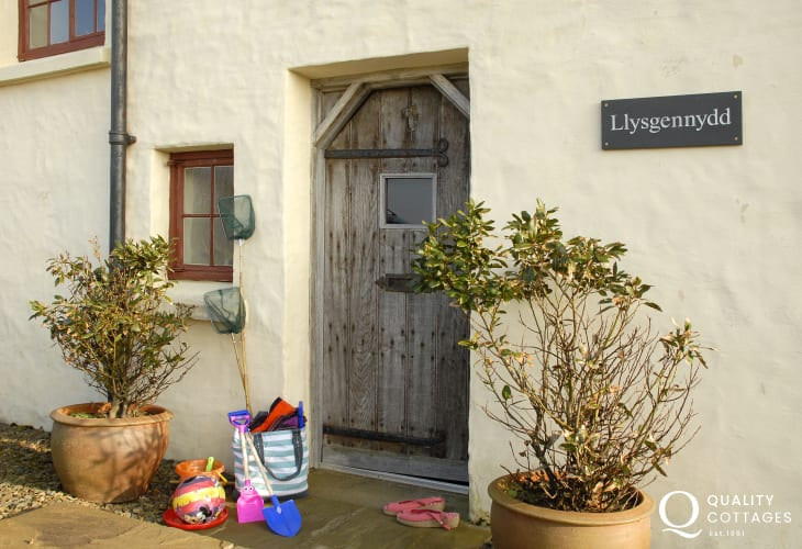 Large family home for rent near Dt Davids, Pembrokeshire