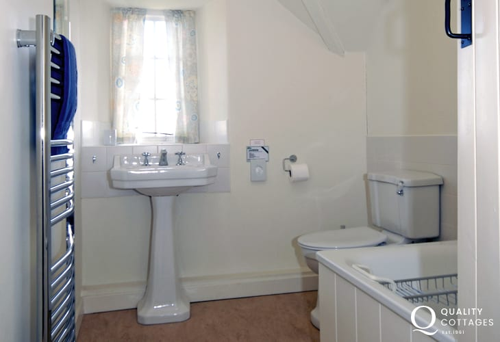 St Davids holiday house - first floor family bathroom
