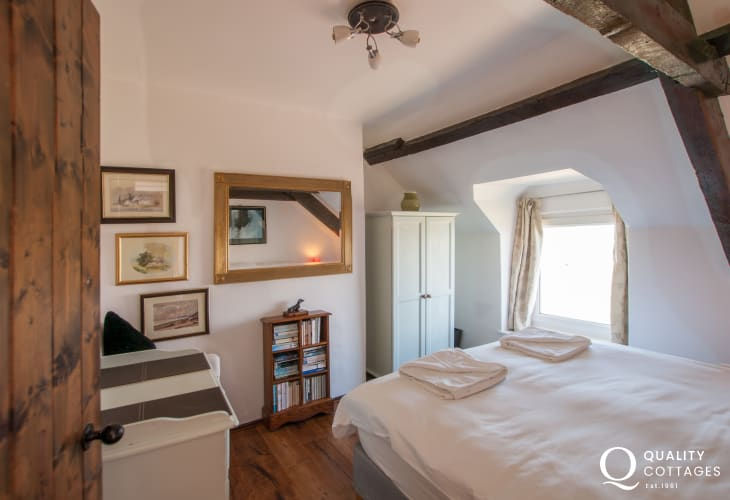 Pet friendly cottage - double bedroom