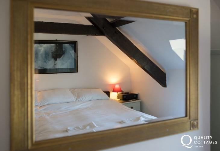 Aberdaron pet friendly cottage - double bedroom