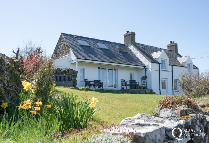 Lleyn holiday cottage Wales  - exterior