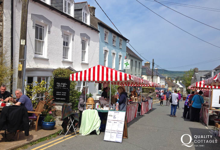 The weekly farmers Market takes place every Monday morning in Newport's Main St