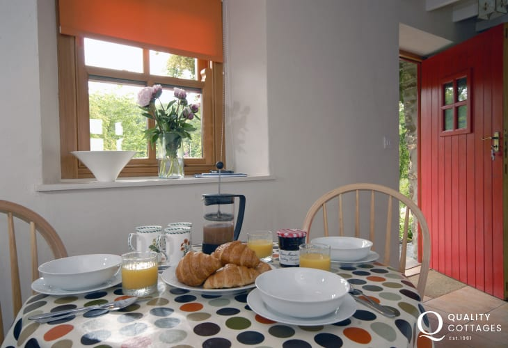 Quaint Pembrokeshire holiday cottage near the Secret Waterway