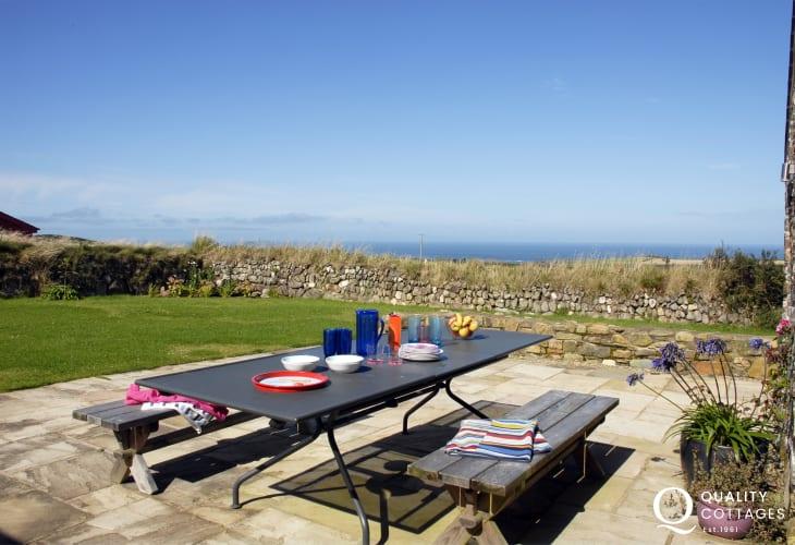 Holiday home near the coast at Abereiddy - patio