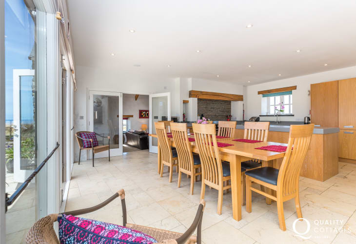 Self-catering Pembrokeshire holiday home - spacious kitchen/dining area