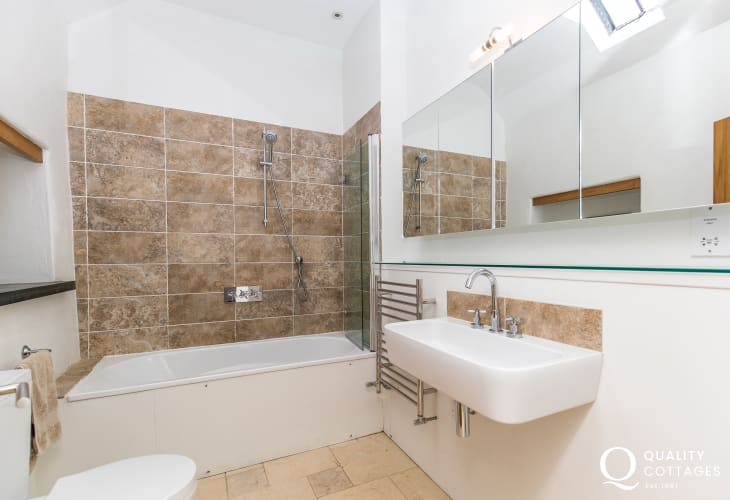Holiday home in Wales - family bathroom