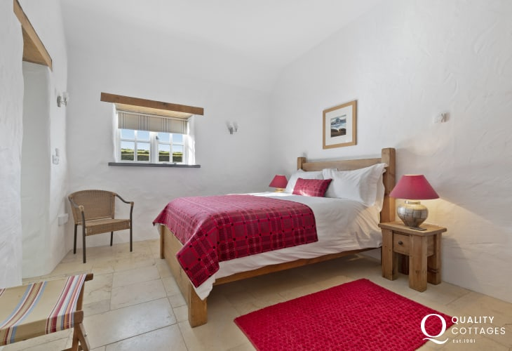 St Davids holiday cottage - double room