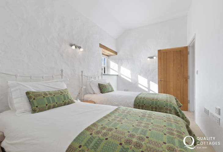 Cottage on the Pembrokeshire Coast - twin bedroom