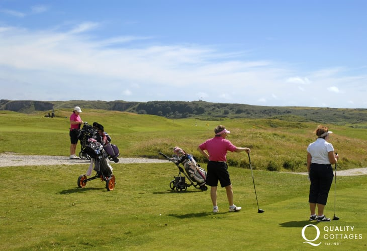 Tenby Links Golf Course - enjoy 18 holes at the oldest affiliated club in Wales