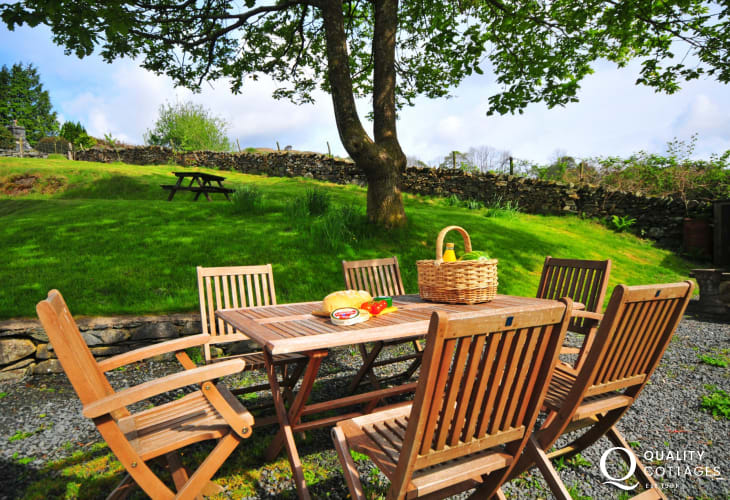 Mawddach holiday cottage - garden