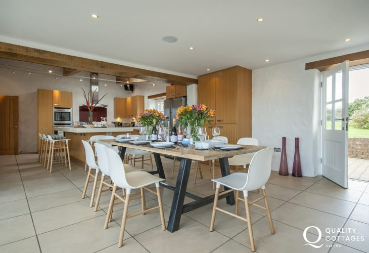 Luxury open plan kitchen/dining room