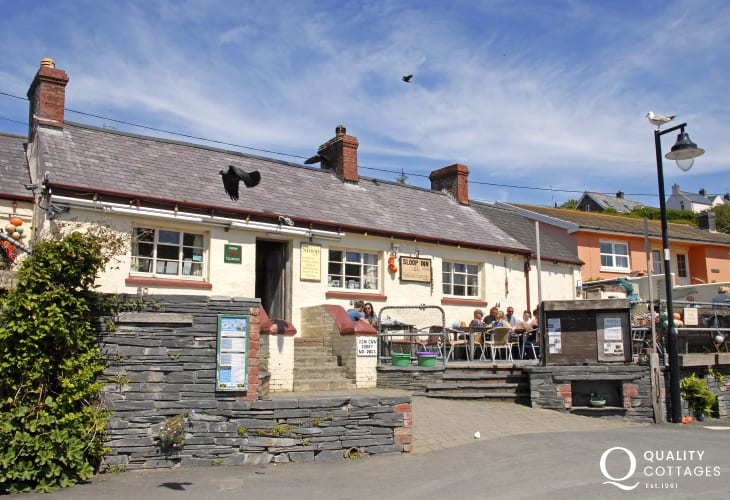 'The Sloop Inn', very popular, family friendly pub serving a good choice of drinks and bar food