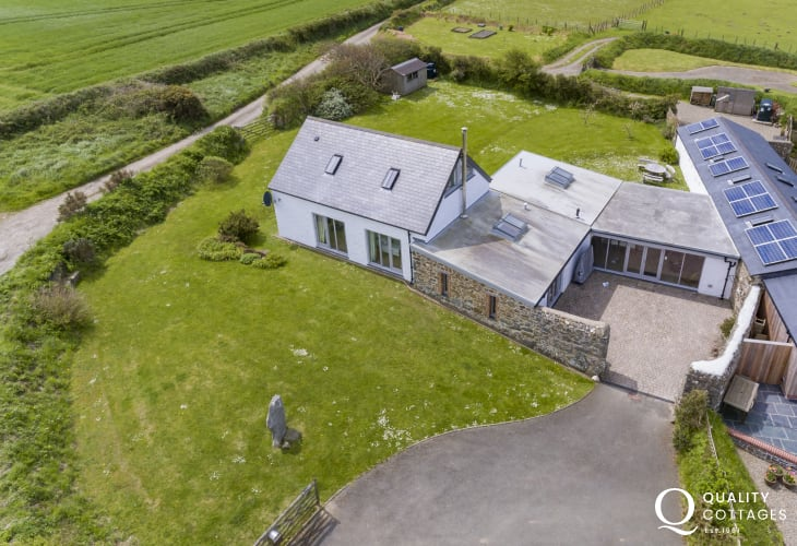 Pembrokeshire barn conversion for holidays near Abereiddy