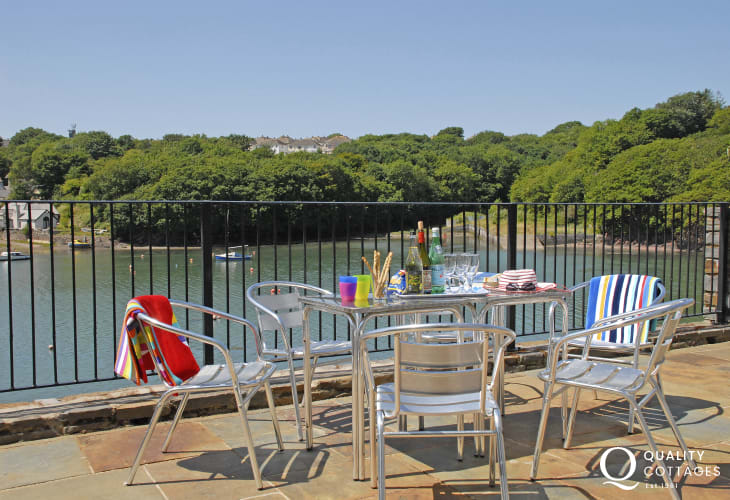 Wonderful panoramic water views from Pembrokeshire holiday home