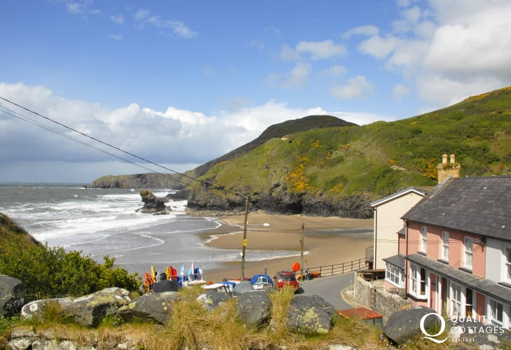 The picturesque seaside village of Llangranog (N.T) is a short drive along the coast