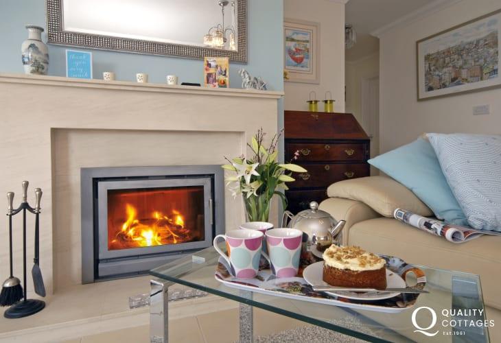 Cardigan Bay coastal holiday home with wood burning stove