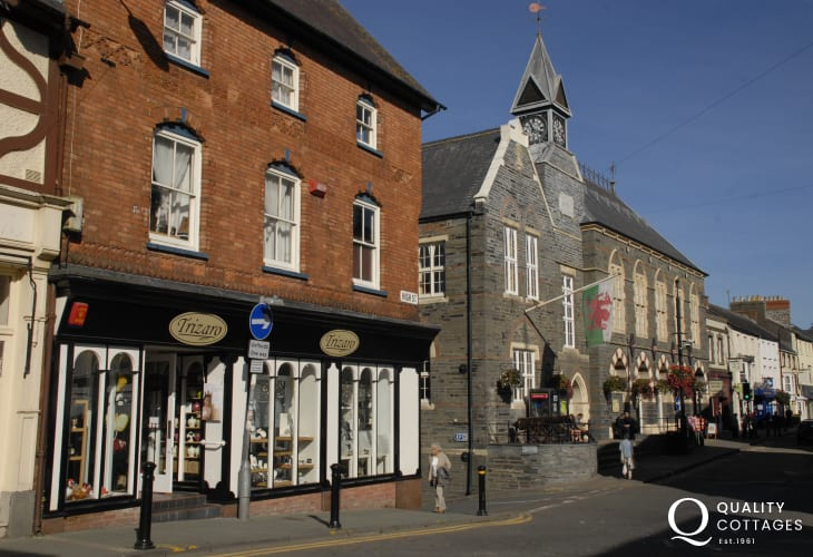 Cardigan - a busy market town with a theatre, cinema, leisure centre, boutique shops and a choice of places to eat