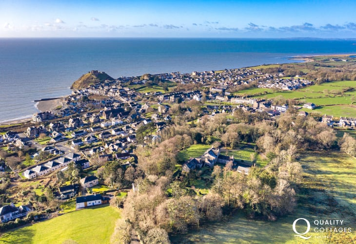 Aerial shot of Bwthyn Stabal and out over Criccieth