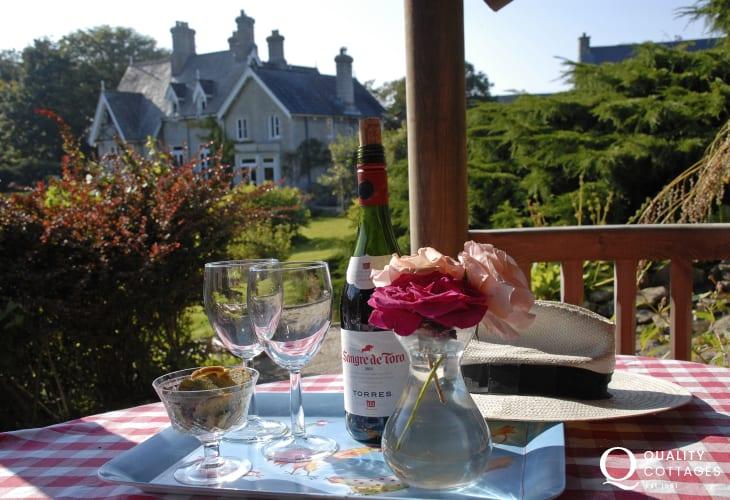 Glamorgan Coast cottage holiday garden mood