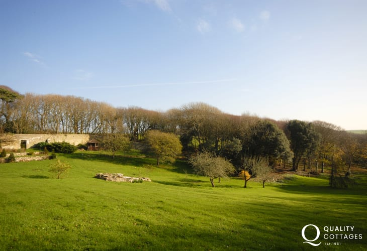 Dunraven cottage holiday garden