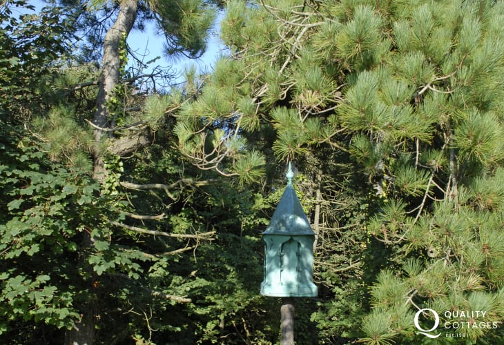 Dunraven Estate holiday cottage - woodland walks and dogs welcome