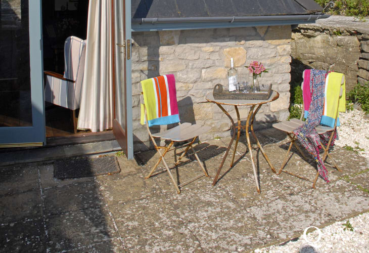 Dunraven Bay holiday home - sheltered small patio
