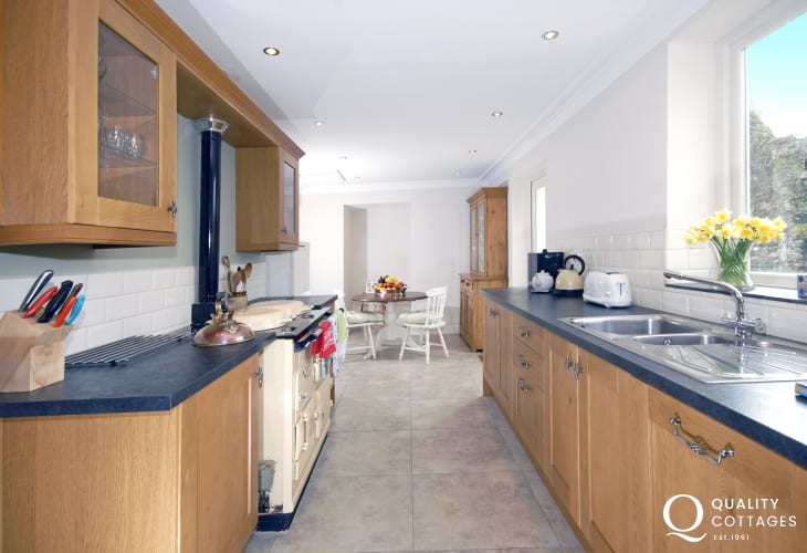 Large self-catering Pembrokeshire holiday home - modern kitchen with underfloor heating