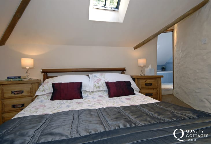 Court Lodge holiday cottage sleeps 4